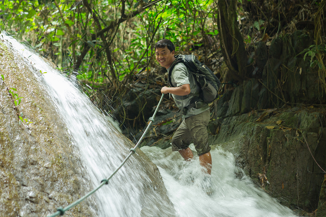 Trekking 100 Waterfalls